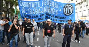 satsaid-presente-junto-a-la-cft-en-plaza-de-mayo-contra-la-politica-economica-del-gobierno-nacional04